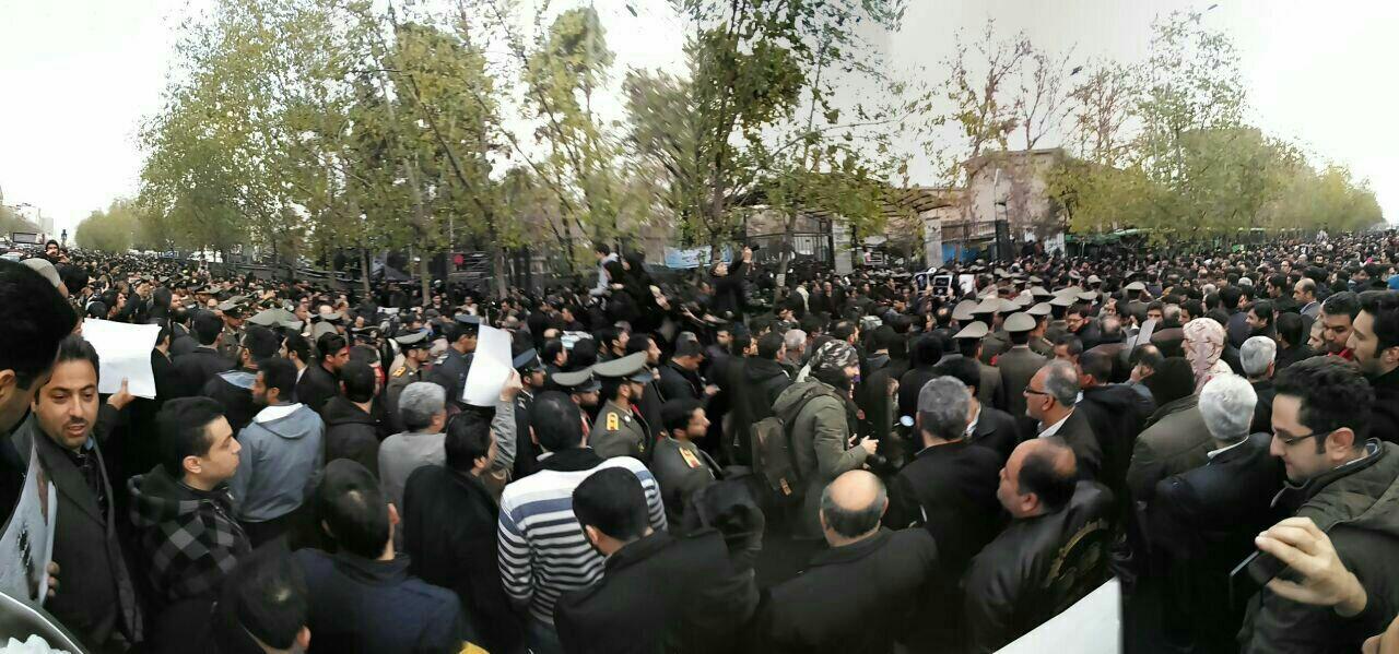 حضور گسترده مردم برای وداع با آیتالله هاشمی رفسنجانی
