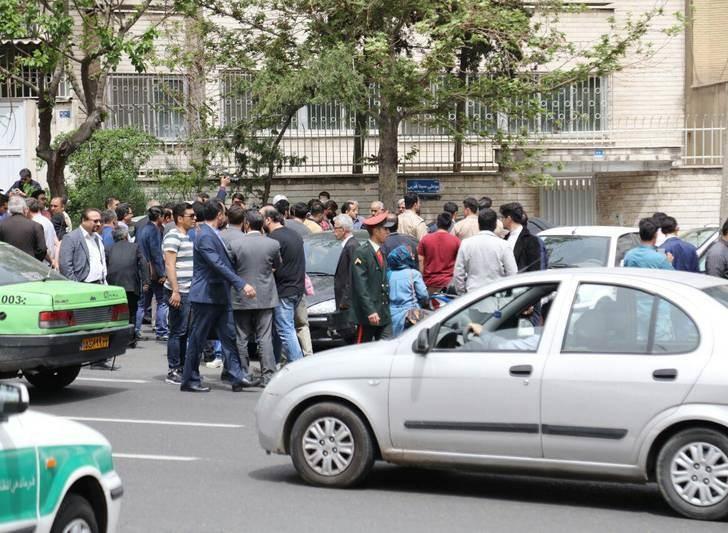 تجمع مالباختگان موسسه کاسپین مقابل وزارت کشور