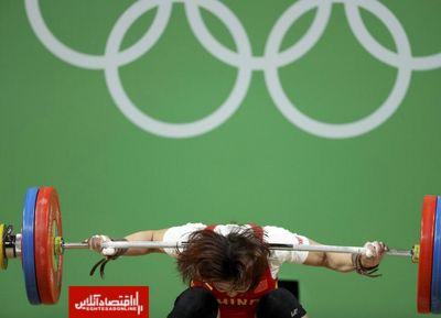 خطری که از بیخگوش وزنهبردار زن چین گذشت +عکس