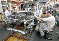برخورد متفاوت ایران و آمریکا با خودروسازان