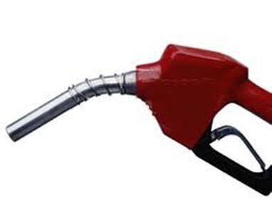 سناریوهای محتمل قیمت بنزین در سال جاری
